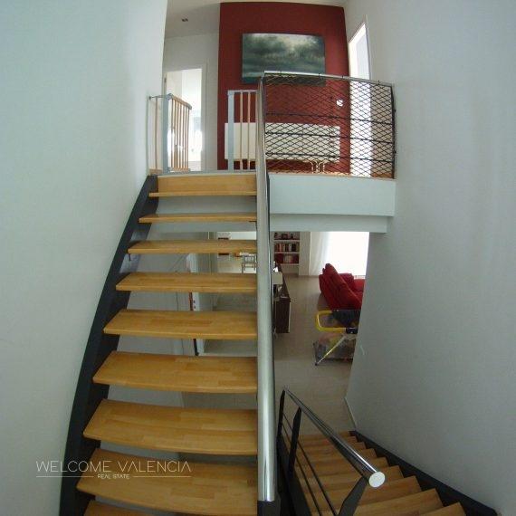 8 Escalera descansoC